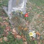 Niszczejące groby