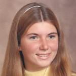 Deborah Gail Stone. Miała tylko 18 lat i zapoczątkowała serię śmierci pracowników Disneylandu.
