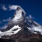 Straszliwy Matterhorn w Alpach...