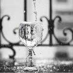 Nie pij wody? Bez przesady, co najwyżej rozboli cię brzuch.